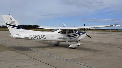 A picture of N1424C - Cessna 182T Skylane - [18281610] - © Duncan McDonald