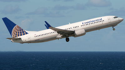 N18220 - Boeing 737-824 - Continental Airlines