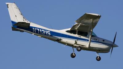 A picture of N7131S - Cessna R182 Skylane RG - [R18201697] - © Angel Natal