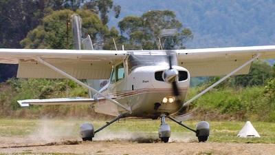 A picture of VHWKW - Cessna R172K Hawk XP - [R1722709] - © Glenn Alderton