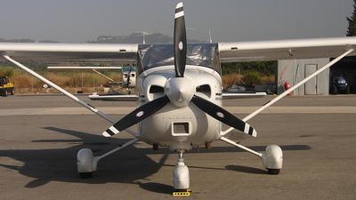 G-EFAM - Cessna 182S Skylane - Private