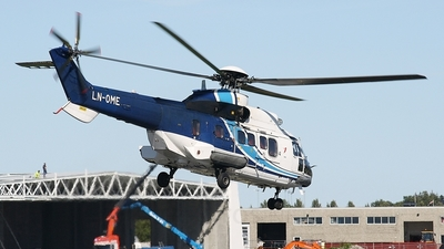 A picture of LNOME - Aerospatiale AS332L Super Puma - CHC Helikopter Service - © Erlend Karlsen