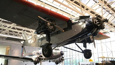 NC9683 - Ford Tri-Motor - American Airlines