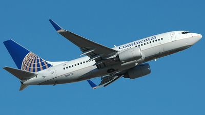 N16713 - Boeing 737-724 - Continental Airlines