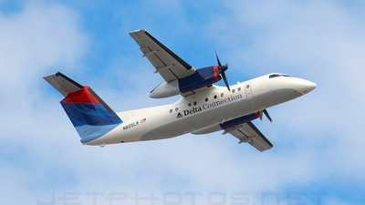 N805LR - Bombardier Dash 8-102 - Delta Connection (Freedom Airlines)