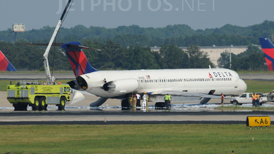 N941DL - McDonnell Douglas MD-88 - Delta Air Lines