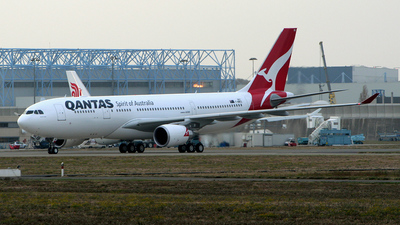 F-WWKD - Airbus A330-203 - Qantas