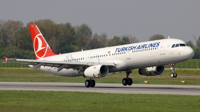 D-AZAI - Airbus A321-231 - Turkish Airlines