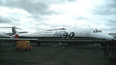 N901DC - McDonnell Douglas MD-90-30 - McDonnell Douglas