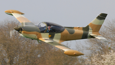 F-GMHB - SIAI-Marchetti SF260C - Private