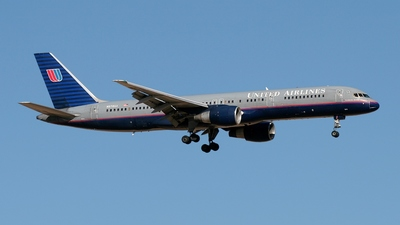 N578UA - Boeing 757-222 - United Airlines