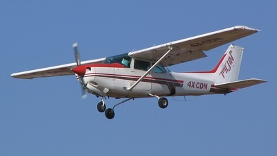 4X-CDN - Cessna 172RG Cutlass RG - MoonAir
