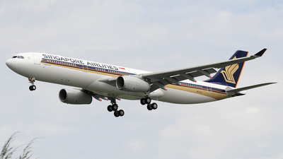 9V-STJ - Airbus A330-343 - Singapore Airlines