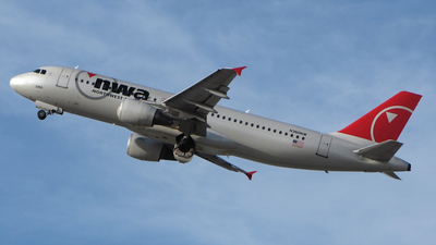 N360NW - Airbus A320-212 - Northwest Airlines
