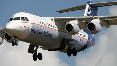 OO-DWK - British Aerospace Avro RJ100 - SN Brussels Airlines