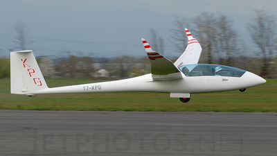 T7-KPG - Schempp-Hirth Duo Discus XLT - Private