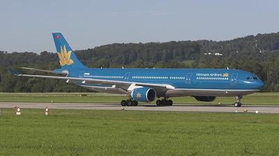 N225LF - Airbus A330-322 - Vietnam Airlines