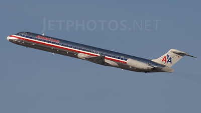 N90511 - McDonnell Douglas MD-82 - American Airlines