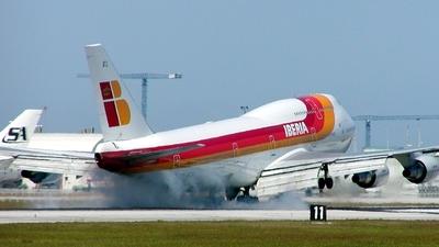 TF-ATJ - Boeing 747-341 - Iberia