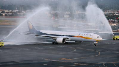 VT-JEF - Boeing 777-35RER - Jet Airways