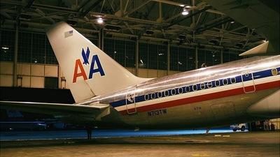 N713TW - Boeing 757-2Q8 - American Airlines