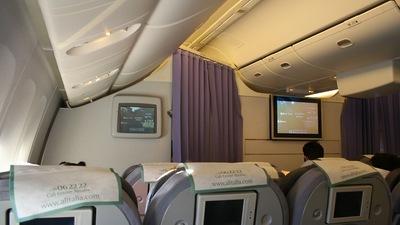 I-DISE - Boeing 777-243(ER) - Alitalia