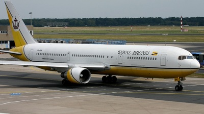 V8-RBH - Boeing 767-33A(ER) - Royal Brunei Airlines