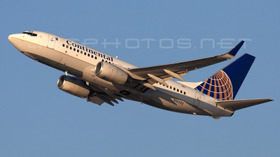 N16732 - Boeing 737-724 - Continental Airlines
