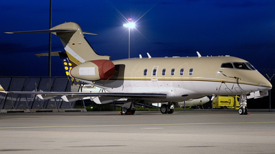 D-BETA - Bombardier BD-100-1A10 Challenger 300 - Cirrus Aviation