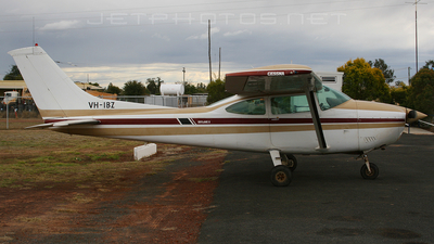 A picture of VHIBZ - Cessna 182Q Skylane - [18267708] - © Craig Murray