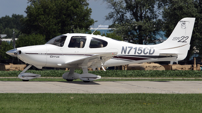 A picture of N715CD - Cirrus SR22 - [0016] - © Bruce Leibowitz