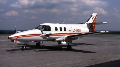 D-IMCB - Rockwell Commander 700 - Cockpit-Air
