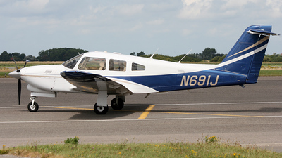 A picture of N691J - Piper PA28RT201T - [28R8631003] - © Jeroen Stroes