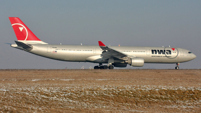 N810NW - Airbus A330-323 - Northwest Airlines