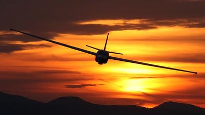 OM-5105 - Let L-13 Vivat - Sky Service