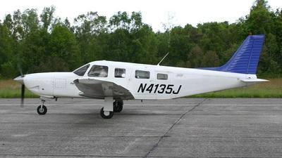 A picture of N4135J - Piper PA32R301 - [3246127] - © Stefan De Sutter