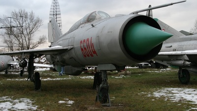 6604 - Mikoyan-Gurevich MiG-21PF Fishbed - Poland - Air Force