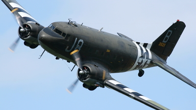 N1944A - Douglas DC-3C - Private