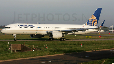 N13138 - Boeing 757-224 - Continental Airlines