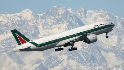 I-DISO - Boeing 777-243(ER) - Alitalia