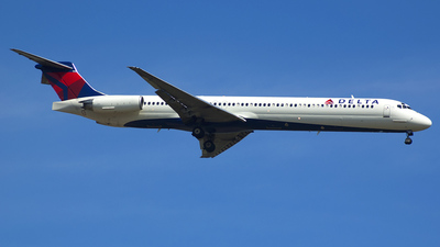 N990DL - McDonnell Douglas MD-88 - Delta Air Lines