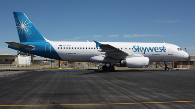 VH-FNP - Airbus A320-231 - SkyWest Airlines