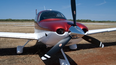 N220CE - Cirrus SR22-GTS G3 - Cirrus Design Corporation
