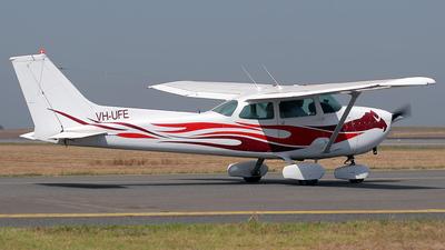 A picture of VHUFE - Cessna 172N Skyhawk - [17270848] - © Andrei Bezmylov