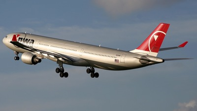 N809NW - Airbus A330-323 - Northwest Airlines