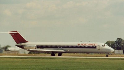 N781NC - McDonnell Douglas DC-9-51 - Northwest Airlines