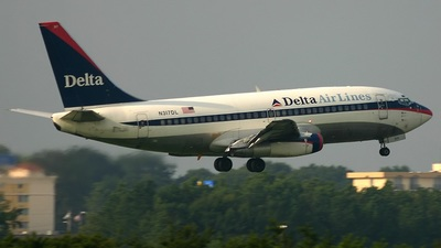 A picture of N317DL -  - [] - © Rich Barth