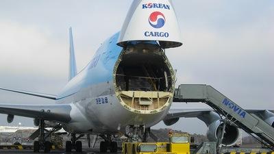 HL7499 - Boeing 747-4B5ERF - Korean Air Cargo