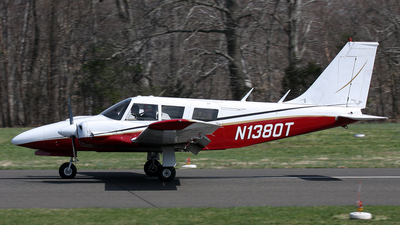 A picture of N1380T - Piper PA34200 - [347250302] - © Joe Osciak