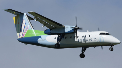 N806WP - Bombardier Dash 8-102A - Island Air